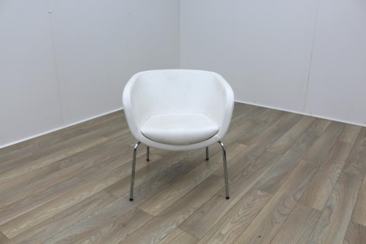 Senator KA1 White Leather Reception Tub Chair