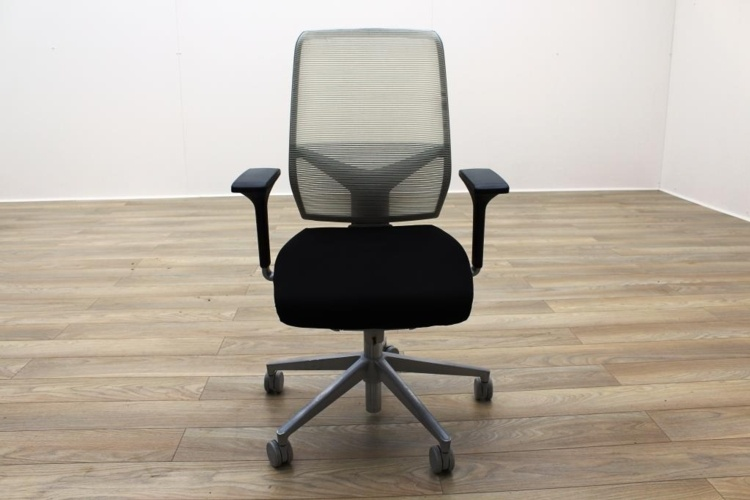 Giroflex G68 Black Fabric / White Mesh Office Task Chairs