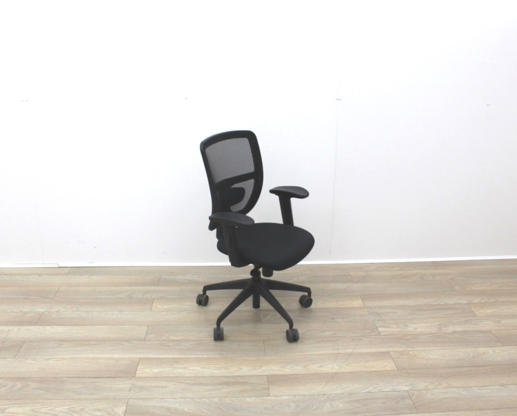 Black Mesh Back Black Fabric Seat Operator Chair