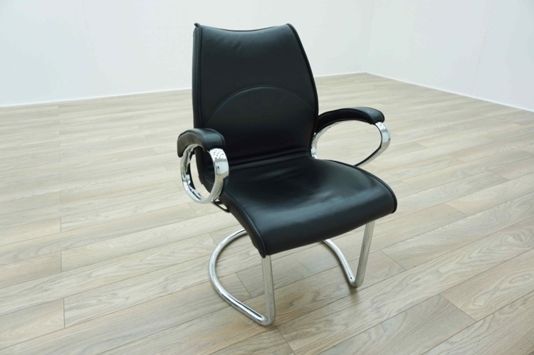 Black Leather / Chrome Padded Office Meeting Chairs