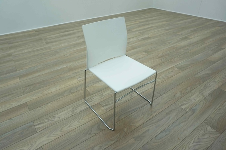 White Plastic / Chrome Frame Stacking Office Meeting / Canteen Chairs