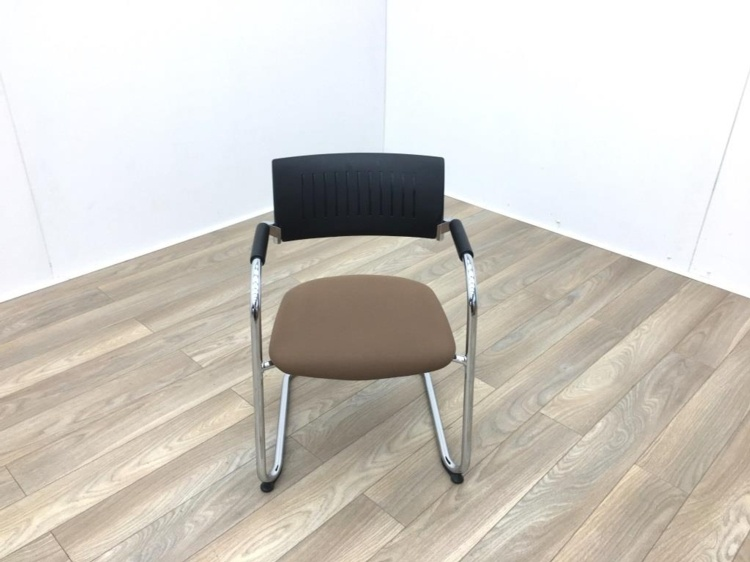 Black Back Brown Seat Meeting Chairs