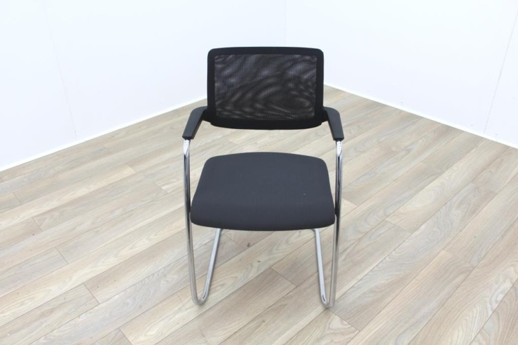 Brunner Black Mesh Back Grey Fabric Seat Meeting Chair