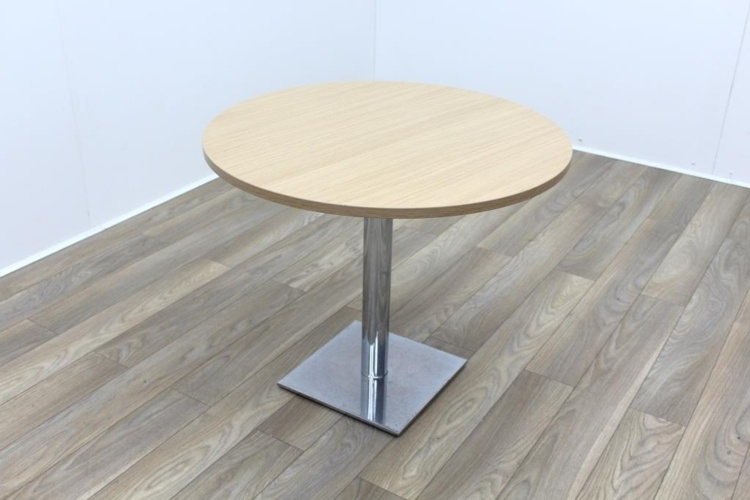 Oak Round Table 900mm