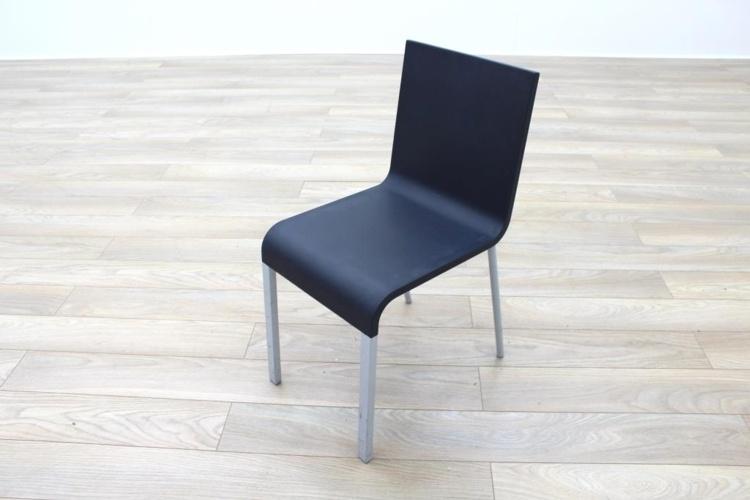 Vitra .03 Dark Blue Canteen Chair