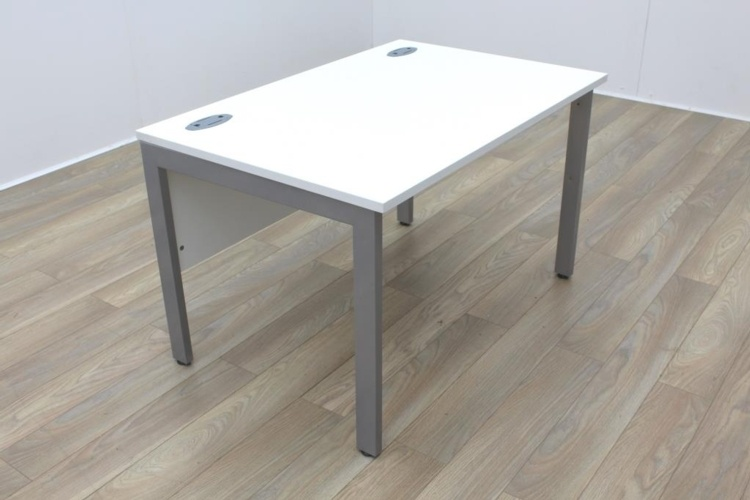 New Cancelled Order White 1200mm Straight Bench Leg Office Desks