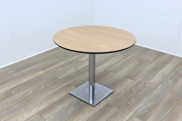 Light Walnut Round Table 900mm