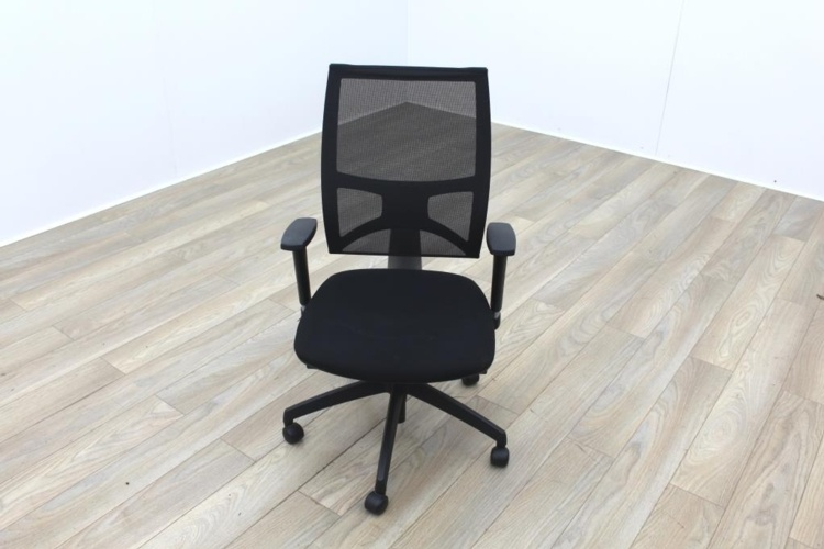 Task Black Mesh Black Fabric Operator Chair