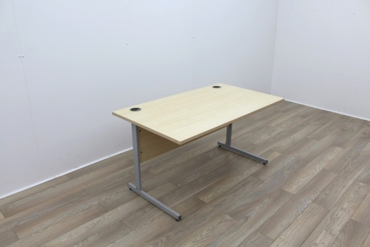 Maple 1400mm Cantilever Straight Office Desks