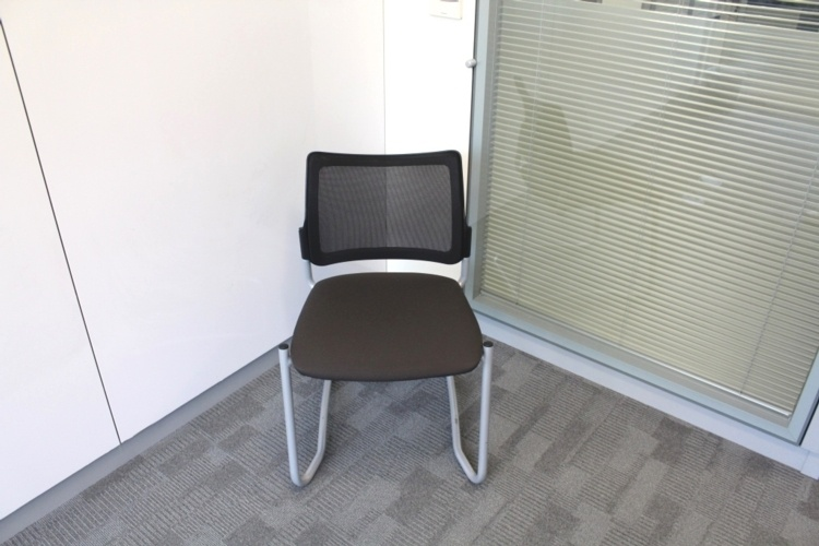 Meeting Chairs With Mesh Back and Fabric Seat