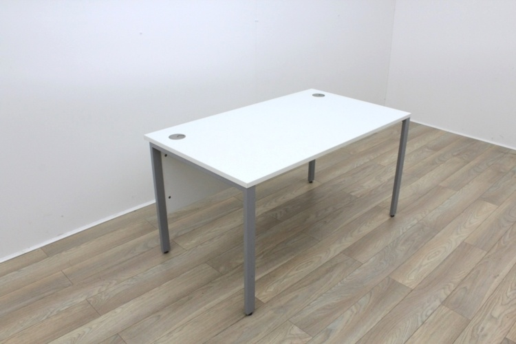 White 1400mm Straight Office Desks