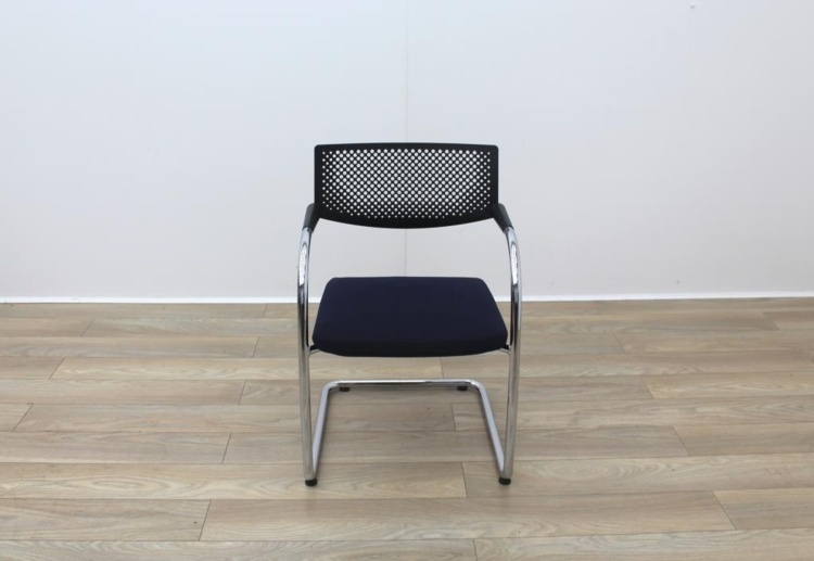 Vitra Vis a Vis Meeting Chair