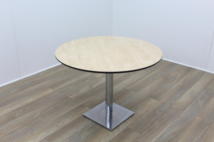 Maple Round Table Black Edge 1000mm