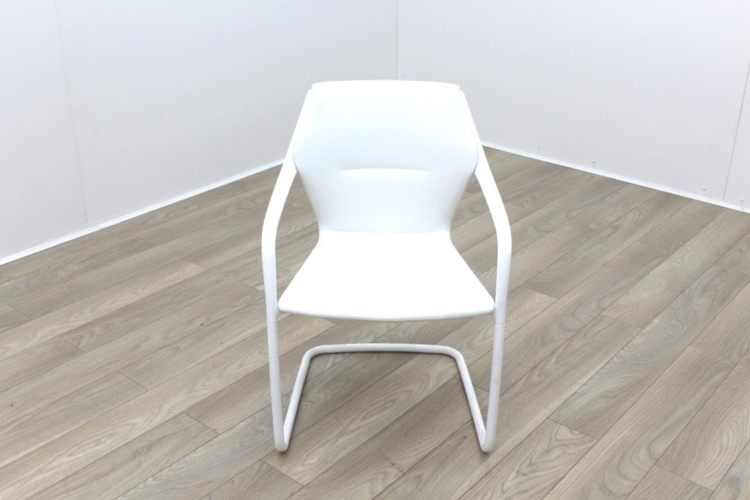 Brunner White Leather White Metal Frame Meeting Chair