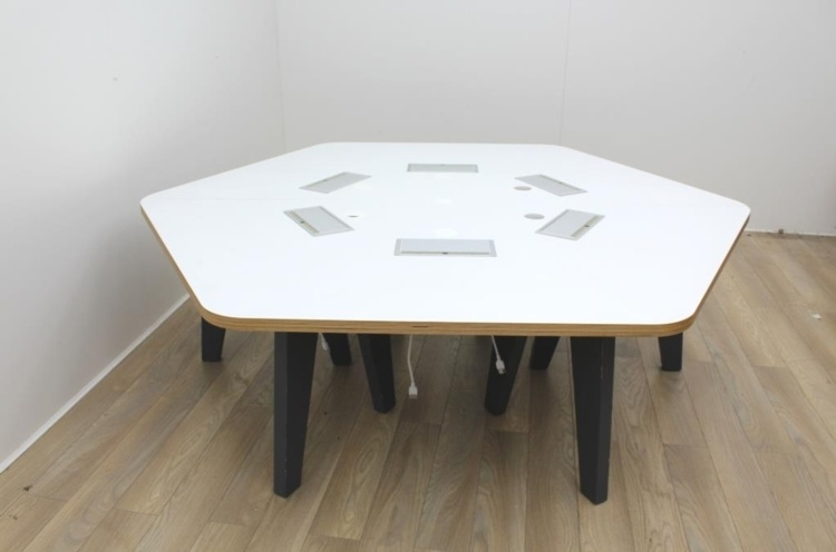 Six Person Hexagonal Bench With Power And Data