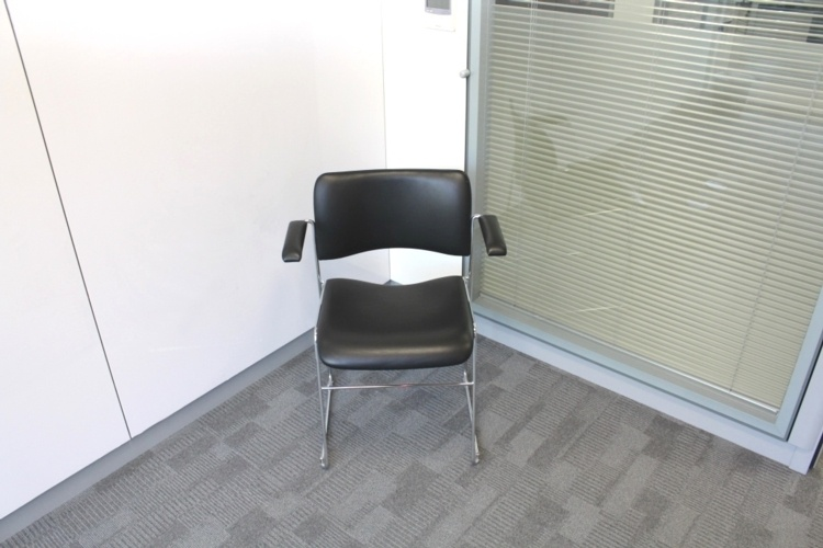 Black Leather Meeting Chairs With Chrome Legs