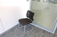 Meeting Chairs With Mesh Back and Fabric Seat - Thumb 5