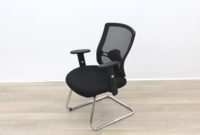 Black Meeting Chairs With Mesh Back and Fabric Seat - Thumb 2