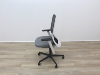 Bene Operator Chair With Grey Seat and Black Mesh Back - Thumb 4