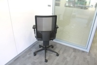 Black Operator Chair With Fabric Seat and Mesh Back - Thumb 4