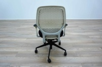 White Mesh / Black Fabric Multifunction Office Task Chairs - Thumb 5