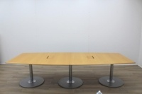 Golden Maple Veneer Barrel Shape Meeting Table - Thumb 7