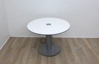 White meeting table with extendable cable port  - Thumb 2