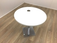 White Round Table with Portcable - Thumb 2
