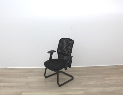 Black Meeting Chairs With Mesh Back and Fabric Seat