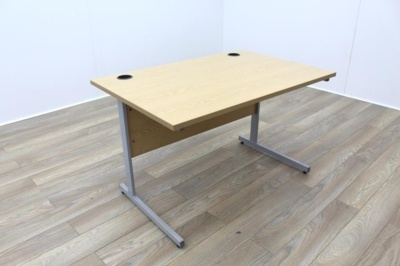 Oak 1200mm Cantilever Straight Office Desks