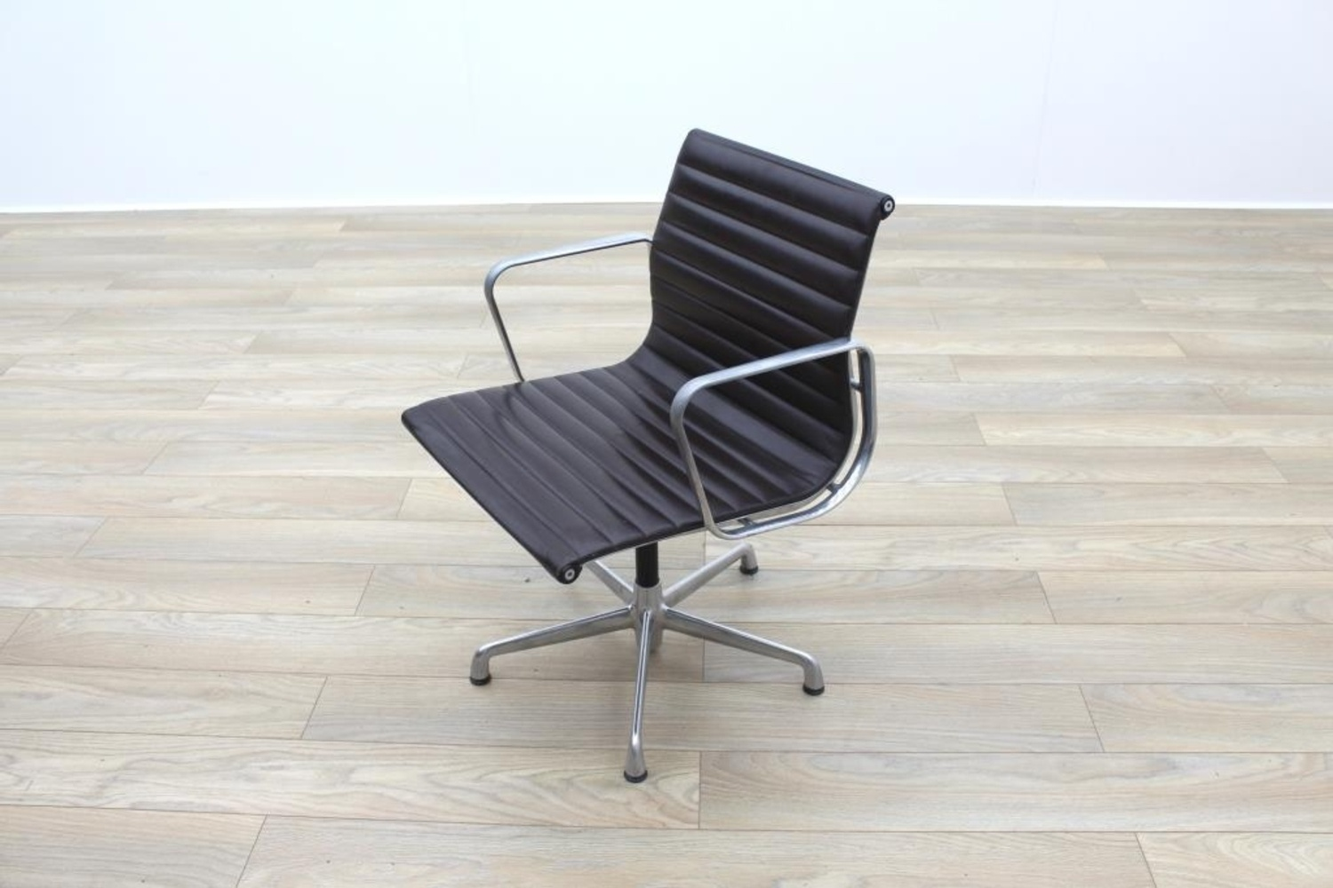 Genuine charles eames ea108 by icf brown leather ribbed office chair ebay - Eames office chair original ...