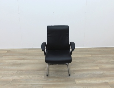 Black Faux Leather Meeting Chairs With Folding Back