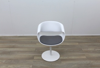 Swivel White Reception Chairs