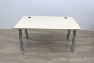 Maple 1400m Stand Alone Desk With Cable Port