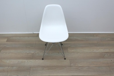 White Vitra Eames Eiffel Chairs