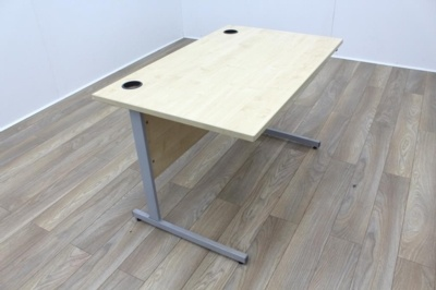 Maple 1200mm Cantilever Straight Office Desks