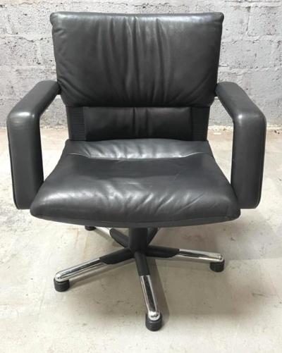 Black Leather Vitra Bellini/imago Meeting Chairs